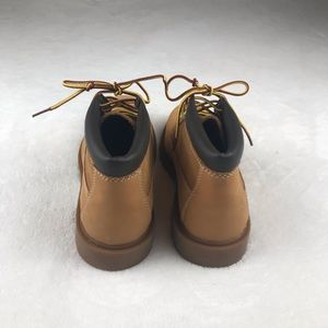 Timberland Shoes - Timberlands classic nubuck wheat colored boots